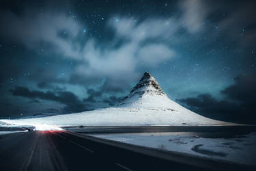 Icelandic night by HendrikMandla