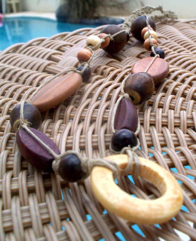 Wood Hemp Macrame Necklace by tiranaki