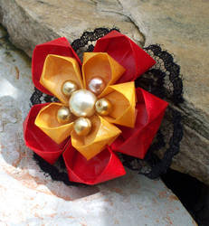 Red and Gold Ume Kanzashi by tiranaki