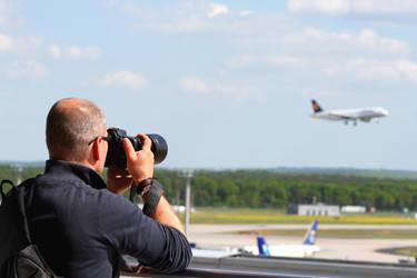 Plane Spotter by StrayingRisu