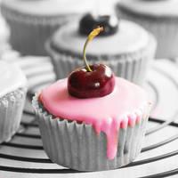 cupcake. by iheartgeorgesampson