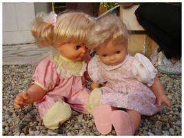 The dolls' secret by weirdMushroom