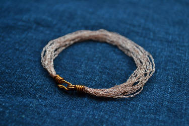 Copper wire bracelet by HolsteinFreestyler