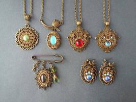 jewelery Vintage style by Comics-kinder