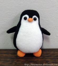 Penguin Plushie by HetemSenar