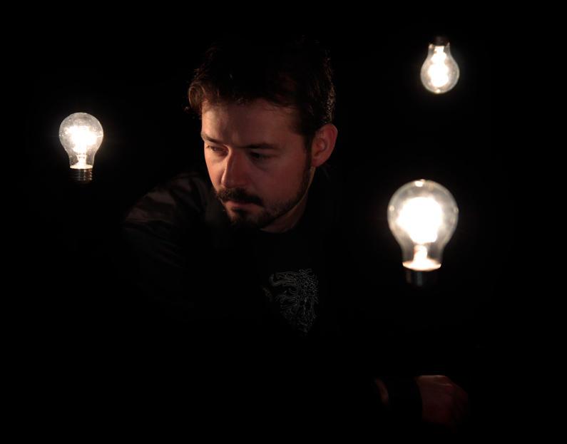 floating bulbs by YannickBouchard