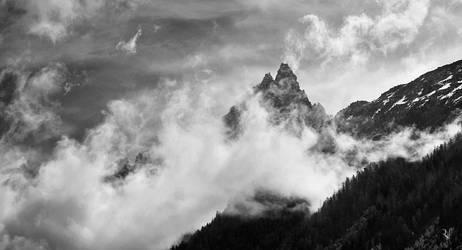 Veil of clouds by romainjl
