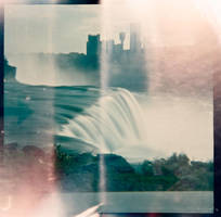 Niagra Falls Light Leaks 120 Diana F+ by newjuventud