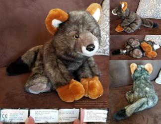 Darwin's Fox by K M International, Inc by AhrendalePlush