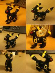 Umbreon Sculpture by SweetLogic