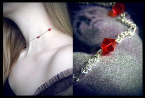 A Vampire's Kiss by dustfae