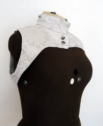 Reversible damsk shrug white and silver by yinco