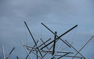 Triple Crown by Kenneth Snelson by lBlanc