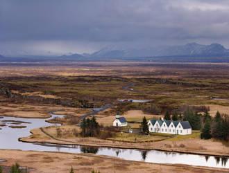 Pingvallavatn, Iceland by danhortonszar