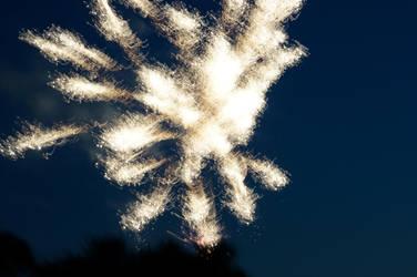 Distorted Fireworks 006 by thunderkracker