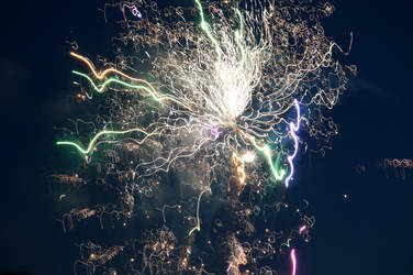 Distorted Fireworks 007 by thunderkracker