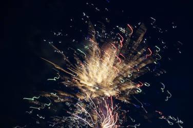 Distorted Fireworks 008 by thunderkracker