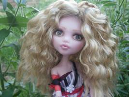 Monster high custom repaint Alice um dress by Rach-Hells-Dollhaus