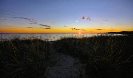 Last Light on Trails End Bay by aquapell