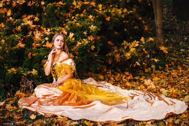 Costume 'Amber fall', 2018 by Aquilina-das