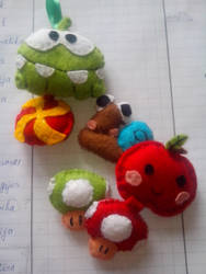 Keychains made out of felt. by Snowflajke