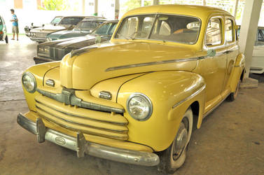 Mid 40s Ford Sedan by zynos958