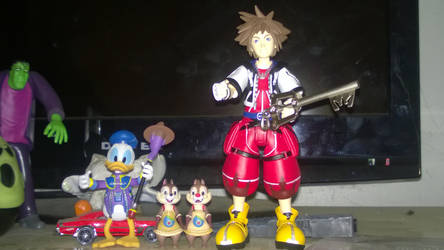 I took my Kingdom hearts figures out by Kingdomhearts1994