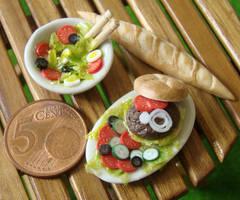 Hamburger and Salad by PetitPlat