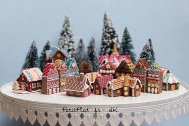 Miniature Gingerbread Houses - Christmas 2014 by PetitPlat